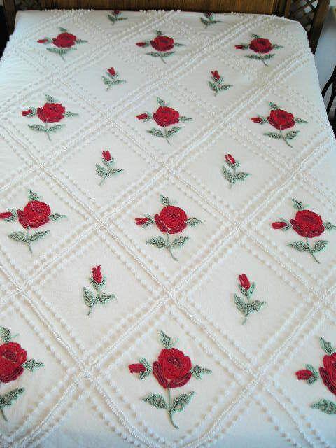 Vintage Chenille Bedspread Full White Roses
