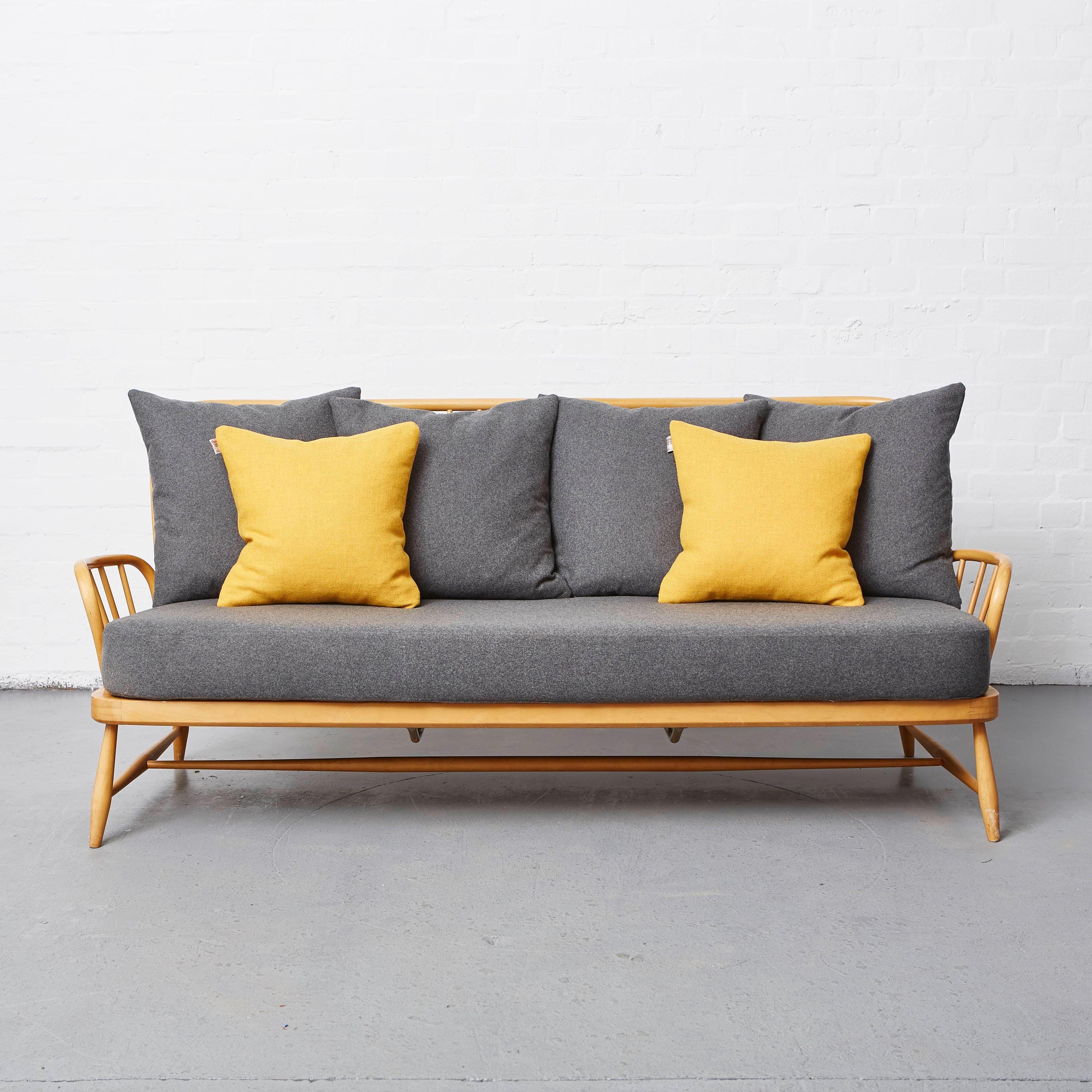 Ercol Sofa Furniture Settee Kitchen Cupboards