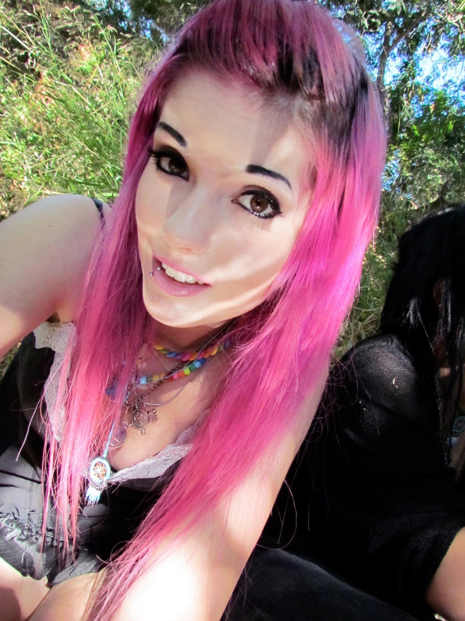 Scene emo pinterest leda muir pink hair and emo girls