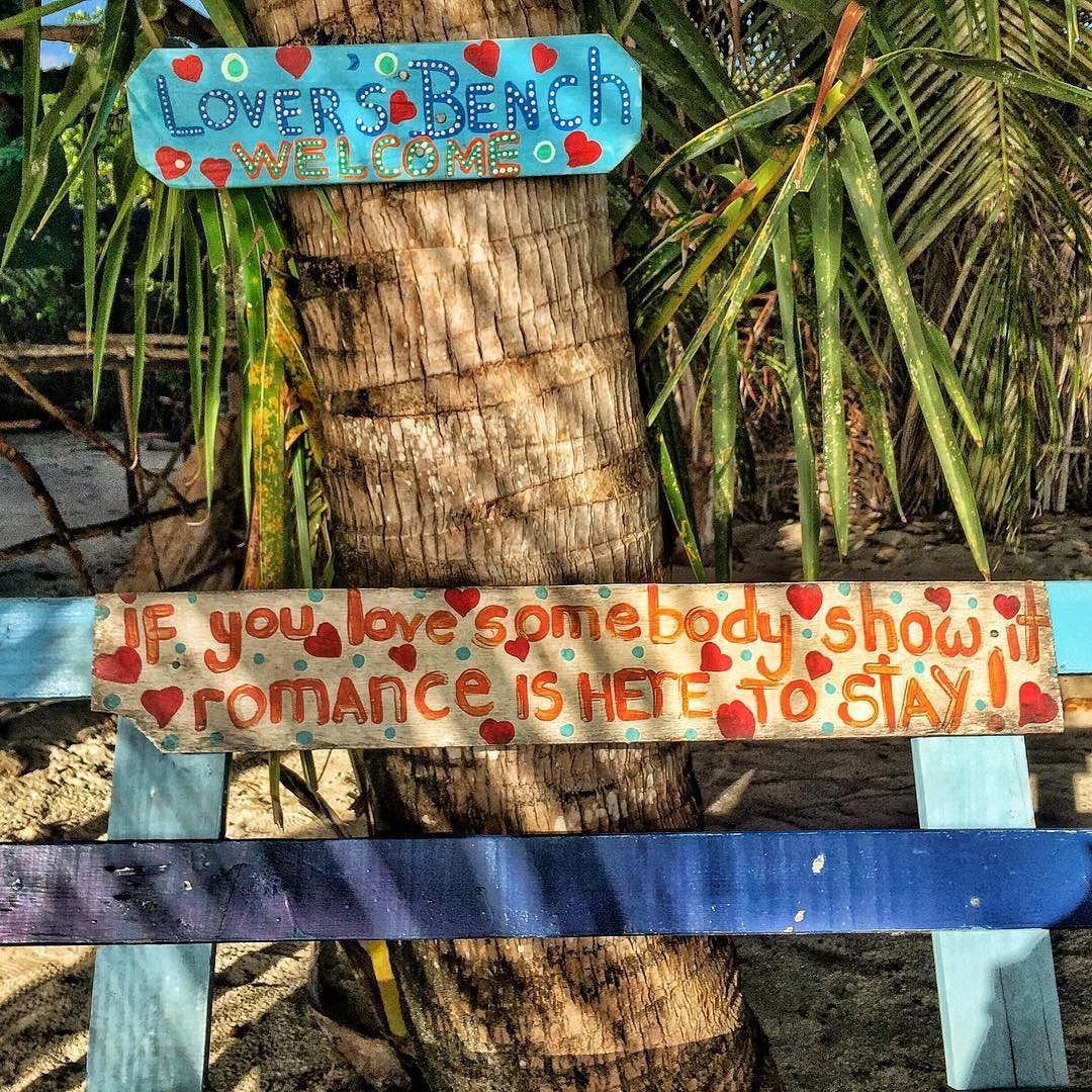 Ensinamento numa praia em Providência. Show it!  O aprendizado está em toda parte basta abrir os olhos ouvidos e coração.  #southamerica  #adventurethatislife  #adventure  #trip Re-post by Hold With Hope