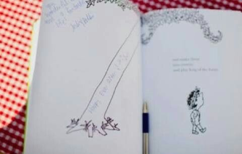 Looking For Wedding Inspiration Here Are 10 Creative Guest Book Ideas Including The Fun Jenga Puzzle Books And Artistic