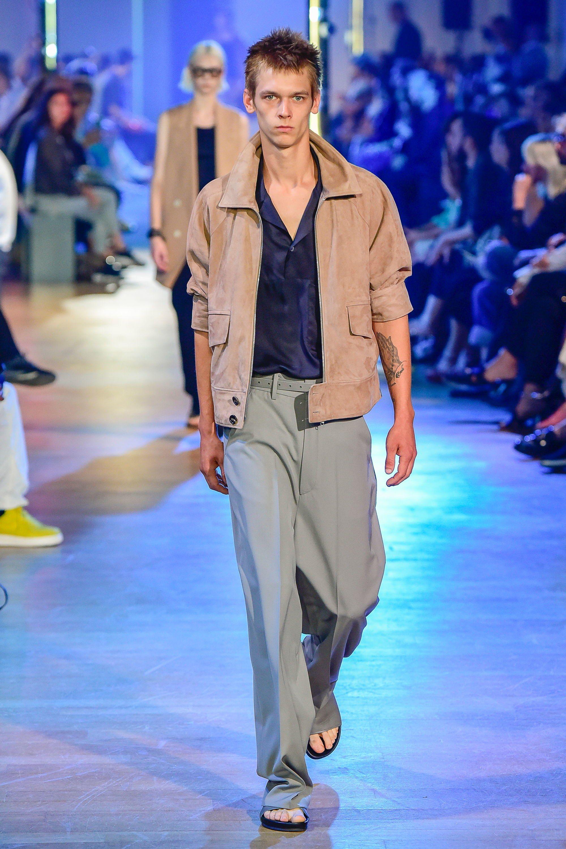 22b278ecebb Cerruti 1881 Spring 2019 Menswear Fashion Show in 2019   Alexander ...
