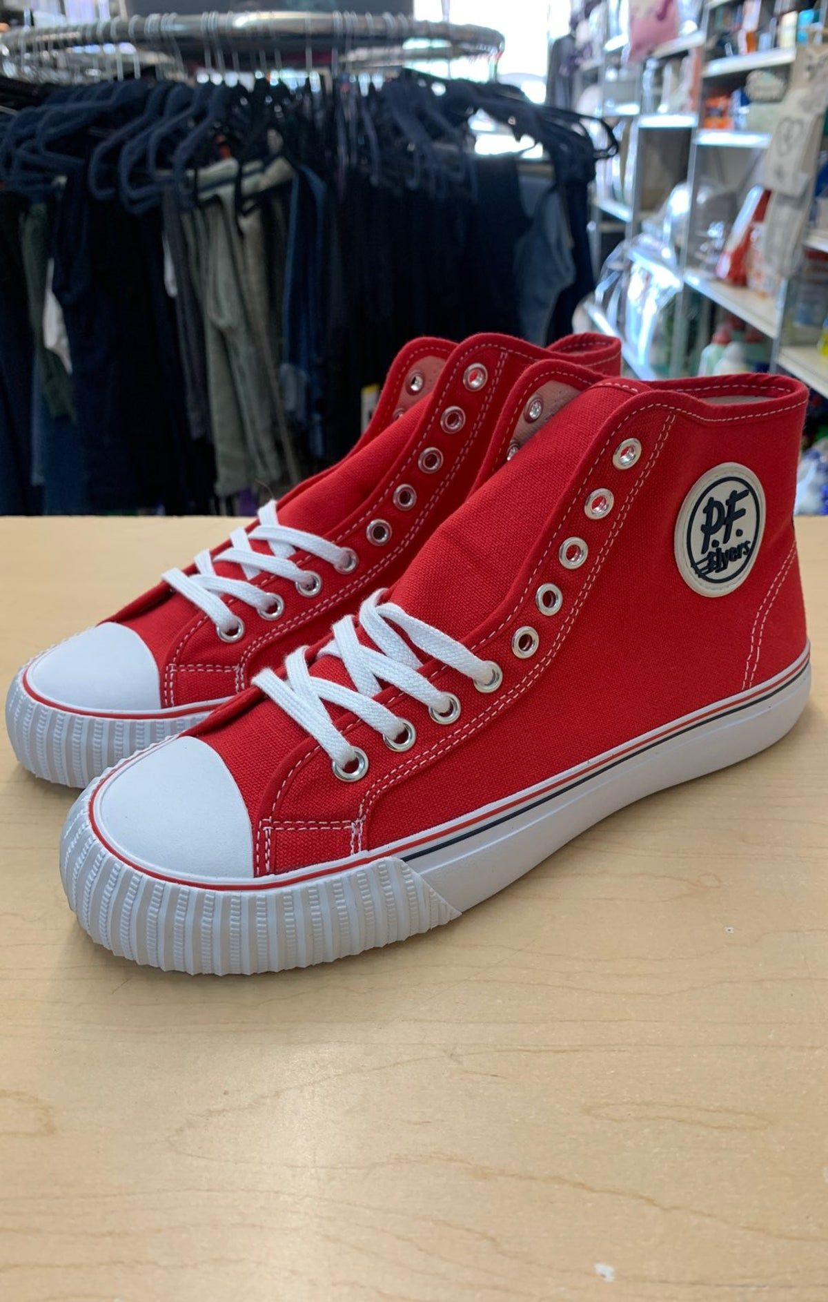Pin By Alex Bedolla On Shoes Thinking To Buy In 2020 Chucks Converse Chuck Taylor Sneakers Pf Flyers