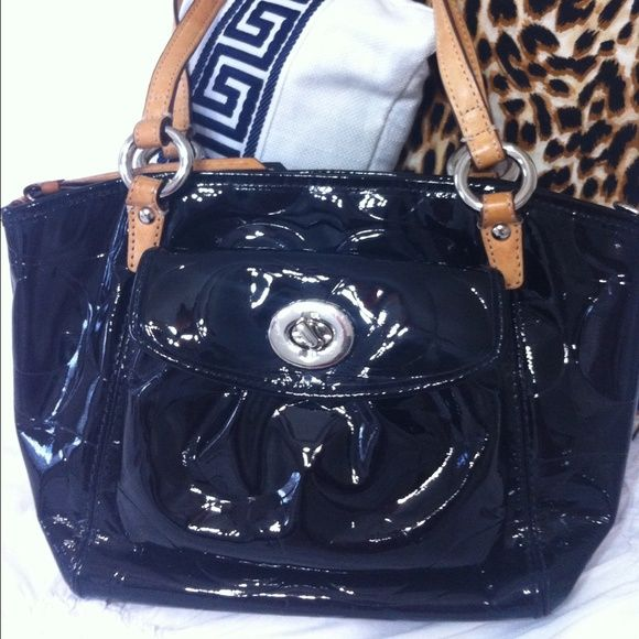 Gorgeous Coach Black Patent Leather Signature Bag Handbag Has Pretty Blue Lining And Lots Of Compartments
