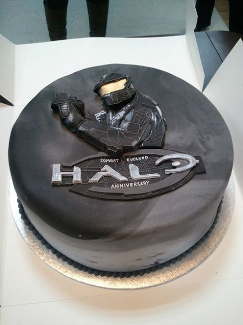 Halo Reach birthday cake idea Cakescupcakes Pinterest Halo