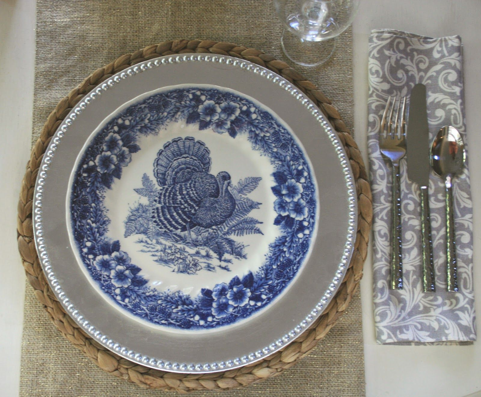blue turkey plates with silver accents for Thanksgiving & blue turkey plates with silver accents for Thanksgiving | "|1600|1319|?|876e2f517a605ad2d8b9abc137547a89|False|UNLIKELY|0.32456544041633606