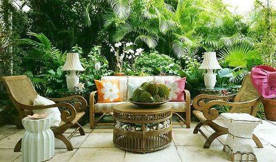 The Glam Pad: Palm Beach Chic Backyards