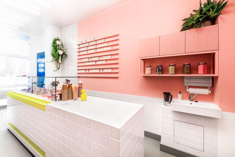 Zentralnorden S Spooning Sweets Shop In Berlin Wraps Itself In Millennial Pink German Interior Design Interior Design Magazine Interior
