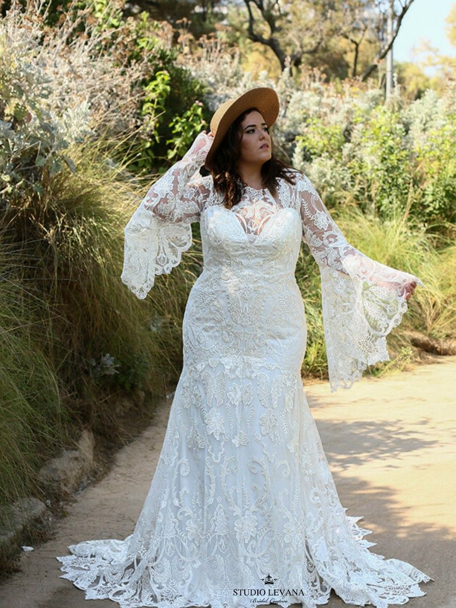 Unique Plus Size Bohemian Mermaid Wedding Dress With Bell Sleeves Alexis By Studio Levana Wedding Dresses Mermaid Wedding Dress Wedding Dresses Lace [ 1182 x 887 Pixel ]