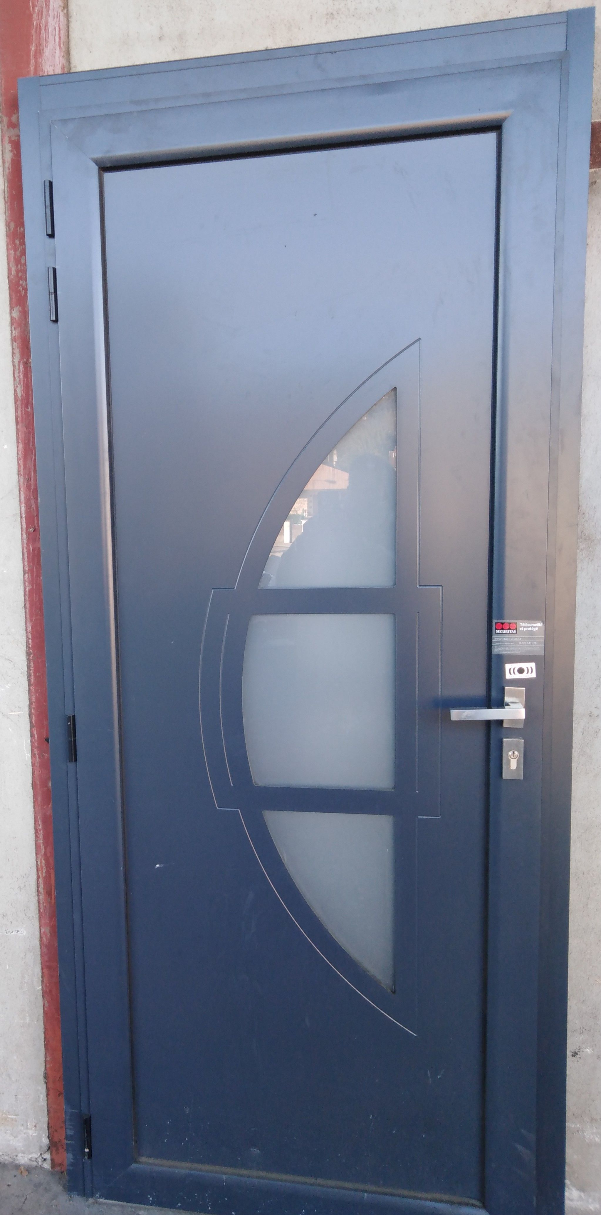 Porte D Entree En Aluminium Sur Mesure Cabrera Toutes Couleurs Porte Entree Aluminium Portes Triple Vitrage