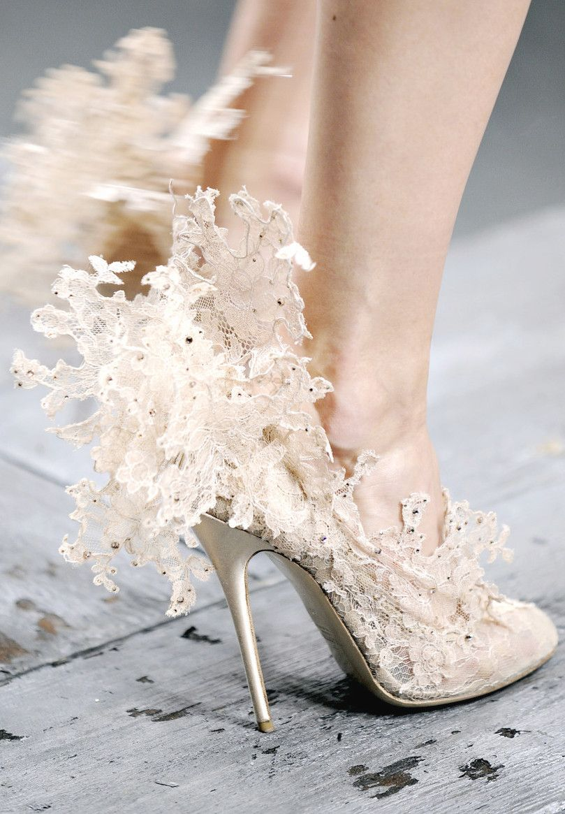 wink-smile-pout: Shoes at Valentino Spring 2010