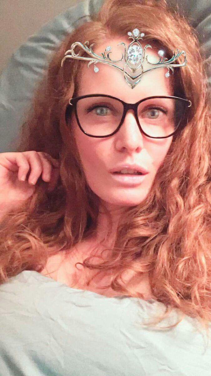 Pin de mylena decker 🌺🍂🍁 em Rebecca Mader em 2020 (com imagens) | Rebecca mader