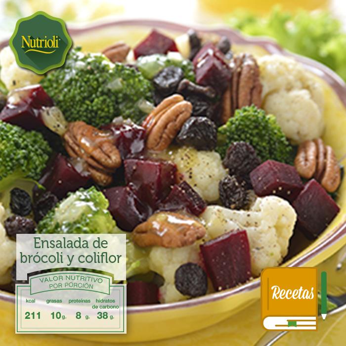 ¿Qué le prepararás de comer hoy a tu familia? Te recomendamos esta deliciosa y saludable ensalada de brócoli y coliflor. El brócoli y la coliflor son ricos en vitamina C, folatos, hierro y potasio que protegen tu sistema inmunológico y ayudan a tu circulación sanguínea.  Revisa la receta completa en nuestra página web: http://bit.ly/1eJCvik  ¡Chop, chop, chop!