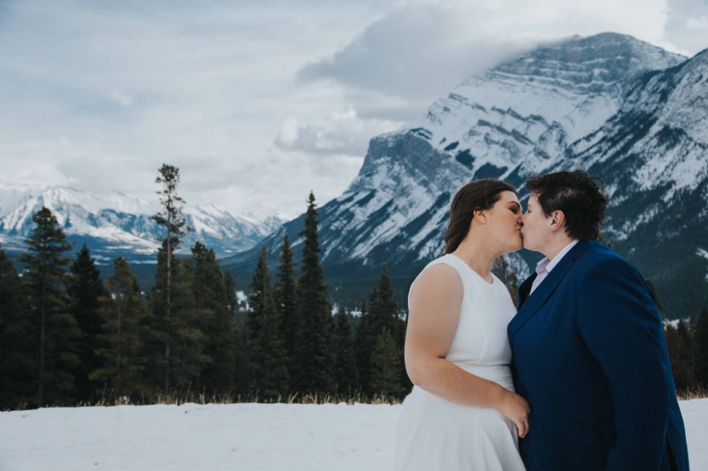 Photo of Elopement de montaña LGBTQ
