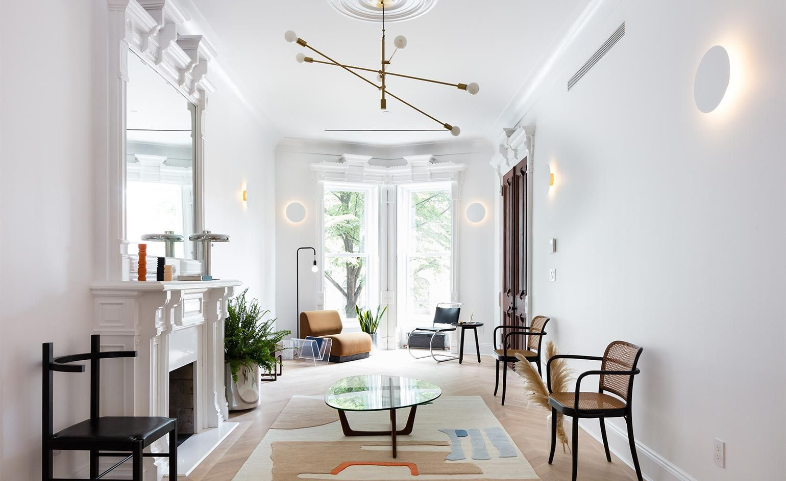 A Historical Townhouse In New York City Gets A Modern Interior