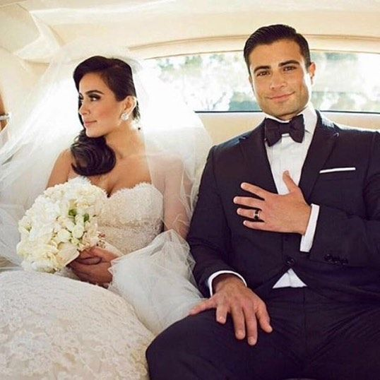 This is couple goals as fuck. #couplegoals #wedding #husbandandwife #married #menstyle #suit #weddingdress #luxury photo via @zara_style by nkdluxury