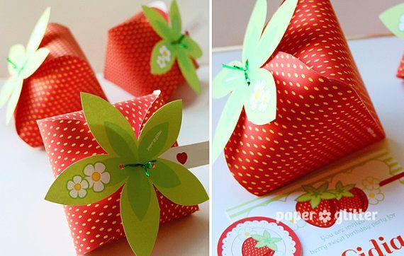 strawberry paper favor party box printables red color editable text printable pdf boxen. Black Bedroom Furniture Sets. Home Design Ideas