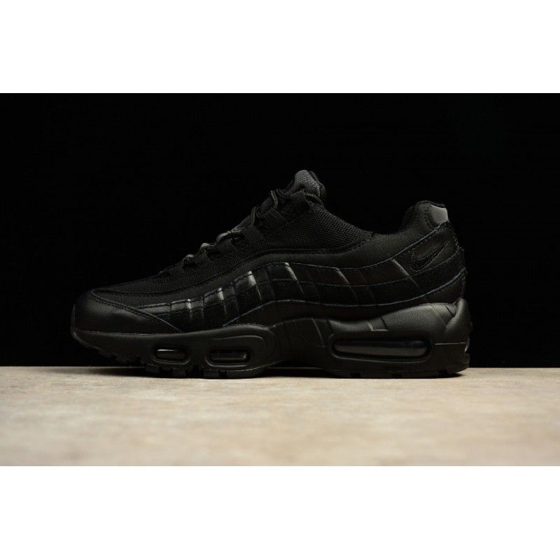 Max95 749766 009 Mens in 2019 | nike trainers street style