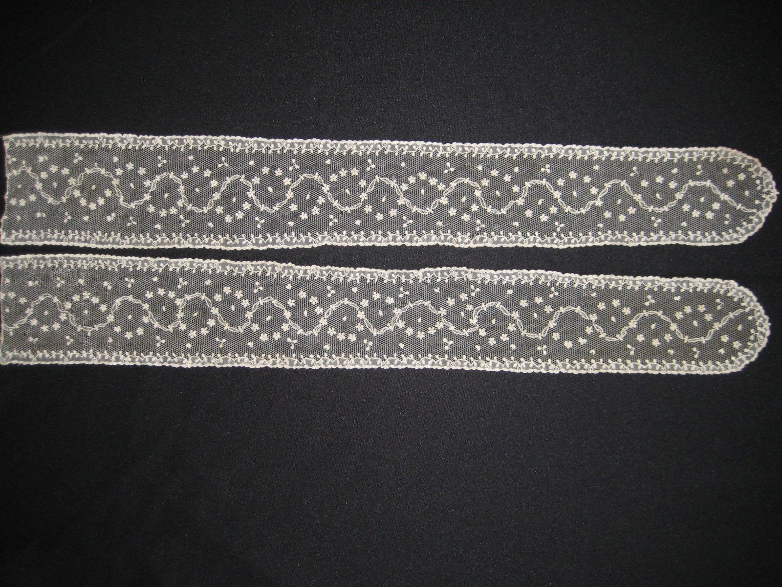 Alençon or Argentan lappets, late 18th c, from the 6/12/2016 Ebay Alerts.