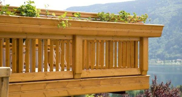 traditionelle holz balkon geländer bauen landhaus blumentöpfe, Gartengerate ideen