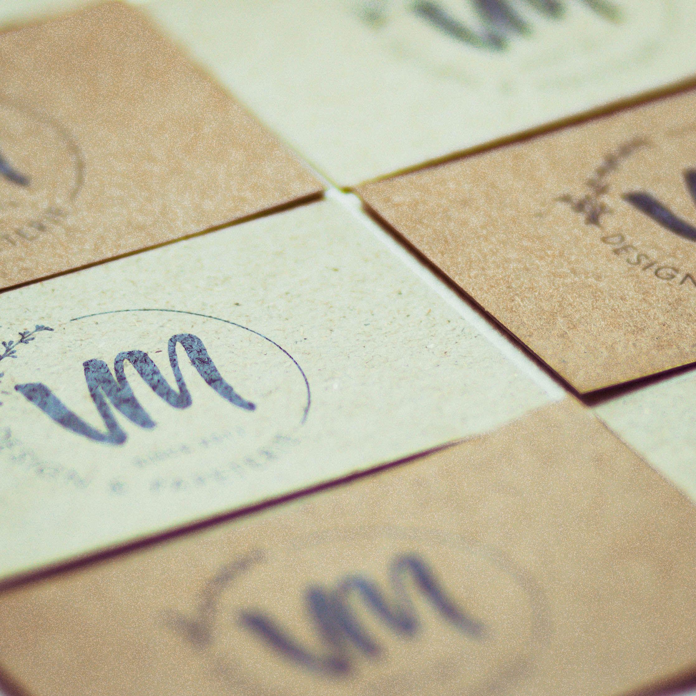 Visitenkarten Auf Kraftpapier Und Graspapier Grafikdesign