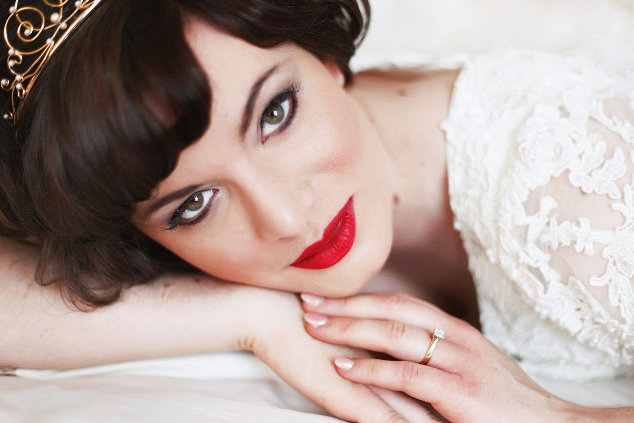 Ivy Levan Nude Ele bridal makeup ~ red lips   makeuphayley   pinterest   makeup