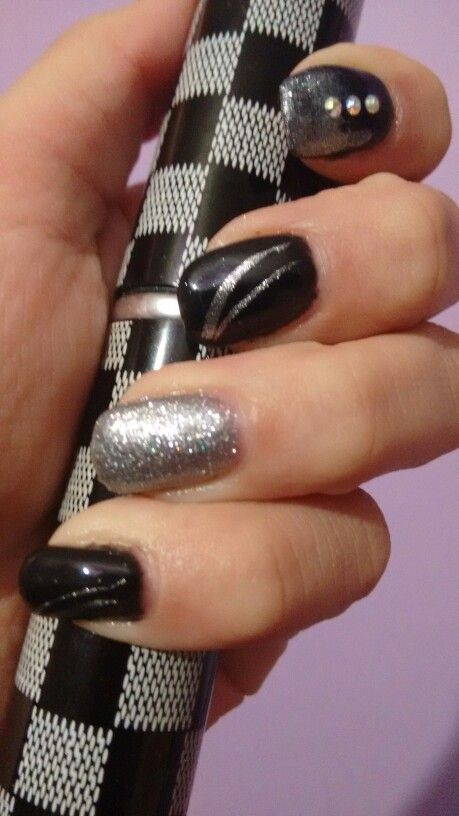 Pin En Diseño De Uñas Negro Plata Azul Marino