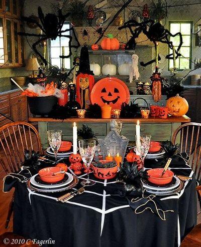 Decoracion con calabazas plasticas para halloween for Decoracion mesa halloween