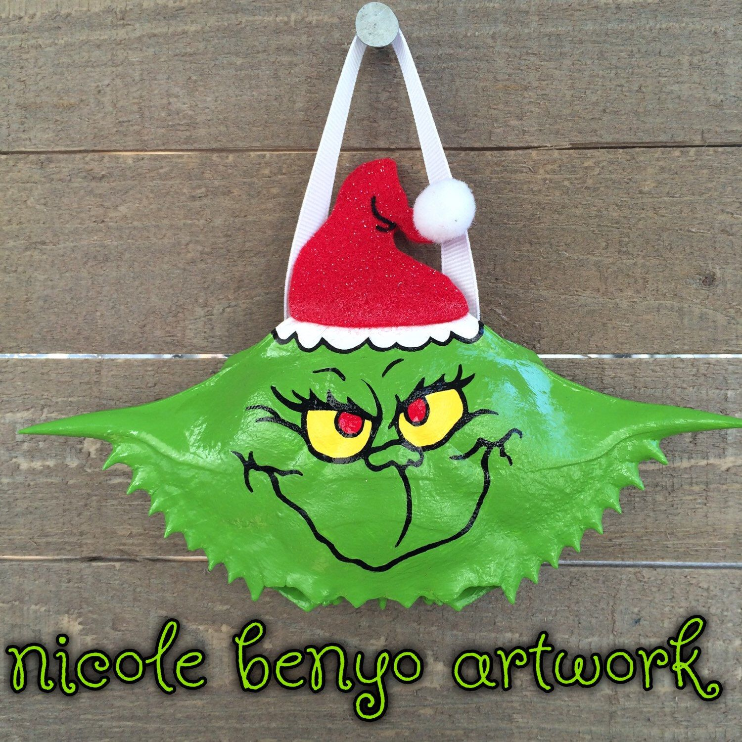 Dr Seuss 39 S The Grinch Hand Painted Crab Shell Shell Crafts Christmas Ornaments Homemade Seashell Crafts