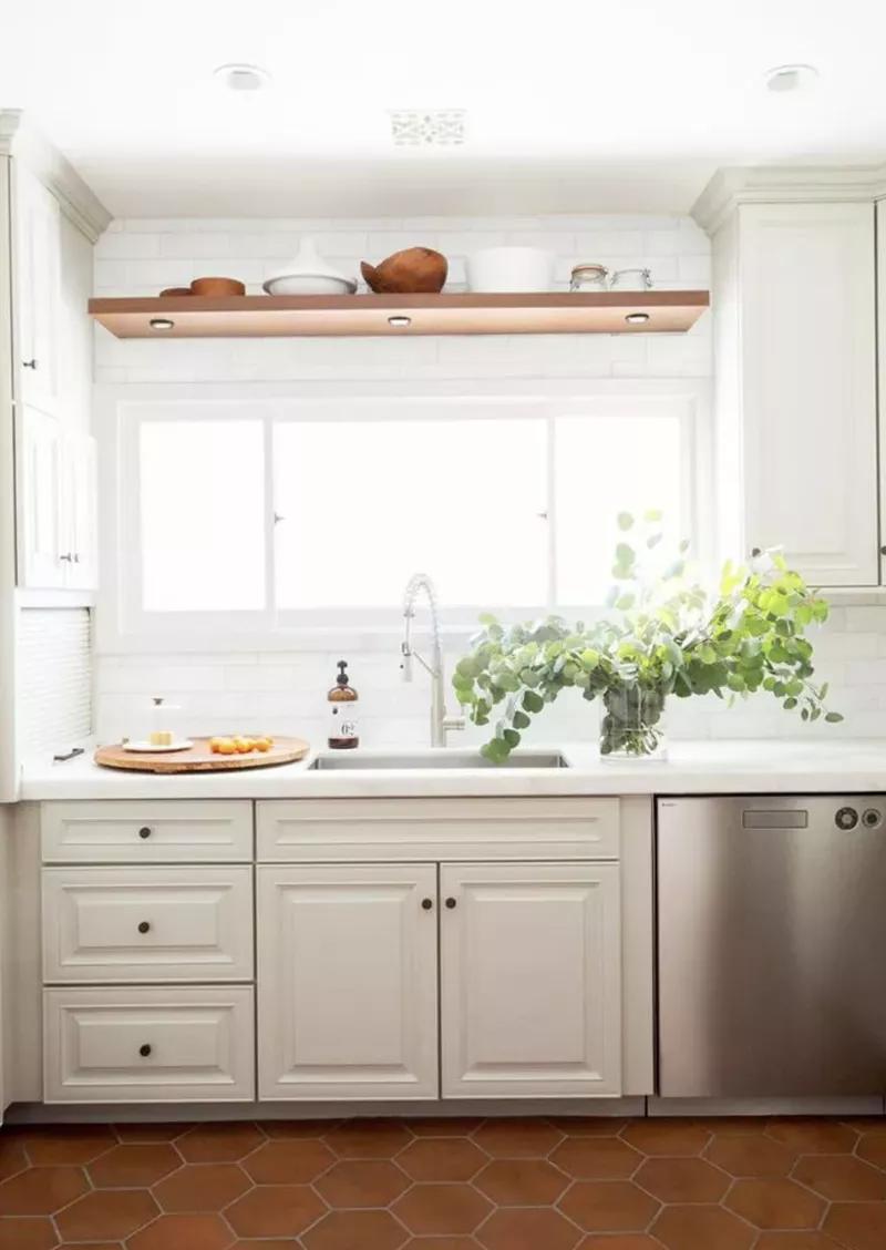 25 Absolutely Beautiful Small Kitchens That Prove Size Doesn T Matter Ku00f6ksinredning Sommarstuga Inredning Ku00f6k Ku00f6k Design