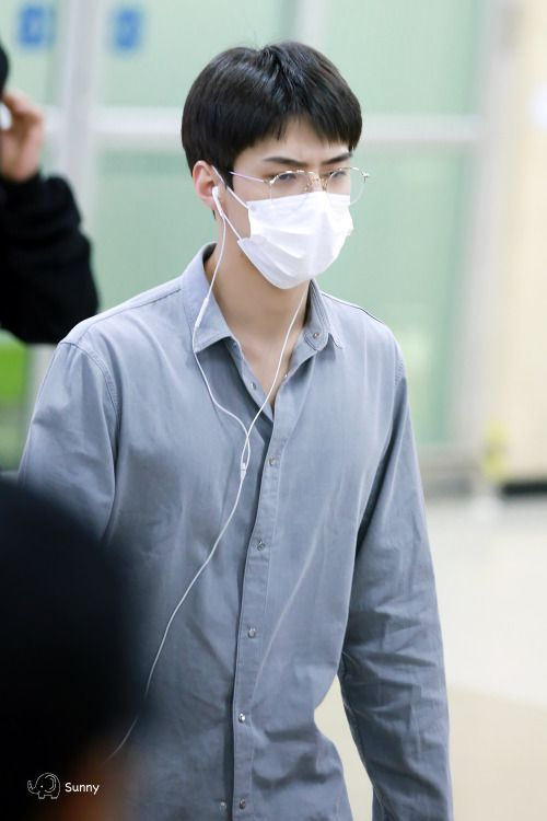 Sehun - 160816 Gimpo Airport, arrival from Tokyo Credit: FreeDom. (김포공항 출국)