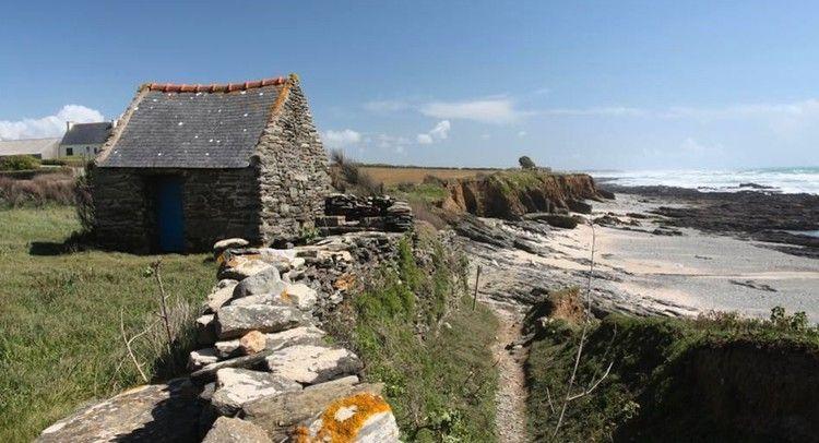 Vue sur la baie d'Audierne depuis le sentier de Plovézet, en Bretagne