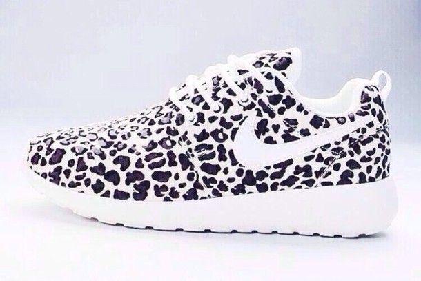 Ecología Curiosidad Fragante  Shoes: black and white nike roshe run cheetah print | Casual shoes, Nike  shoes cheap, Leopard print nikes