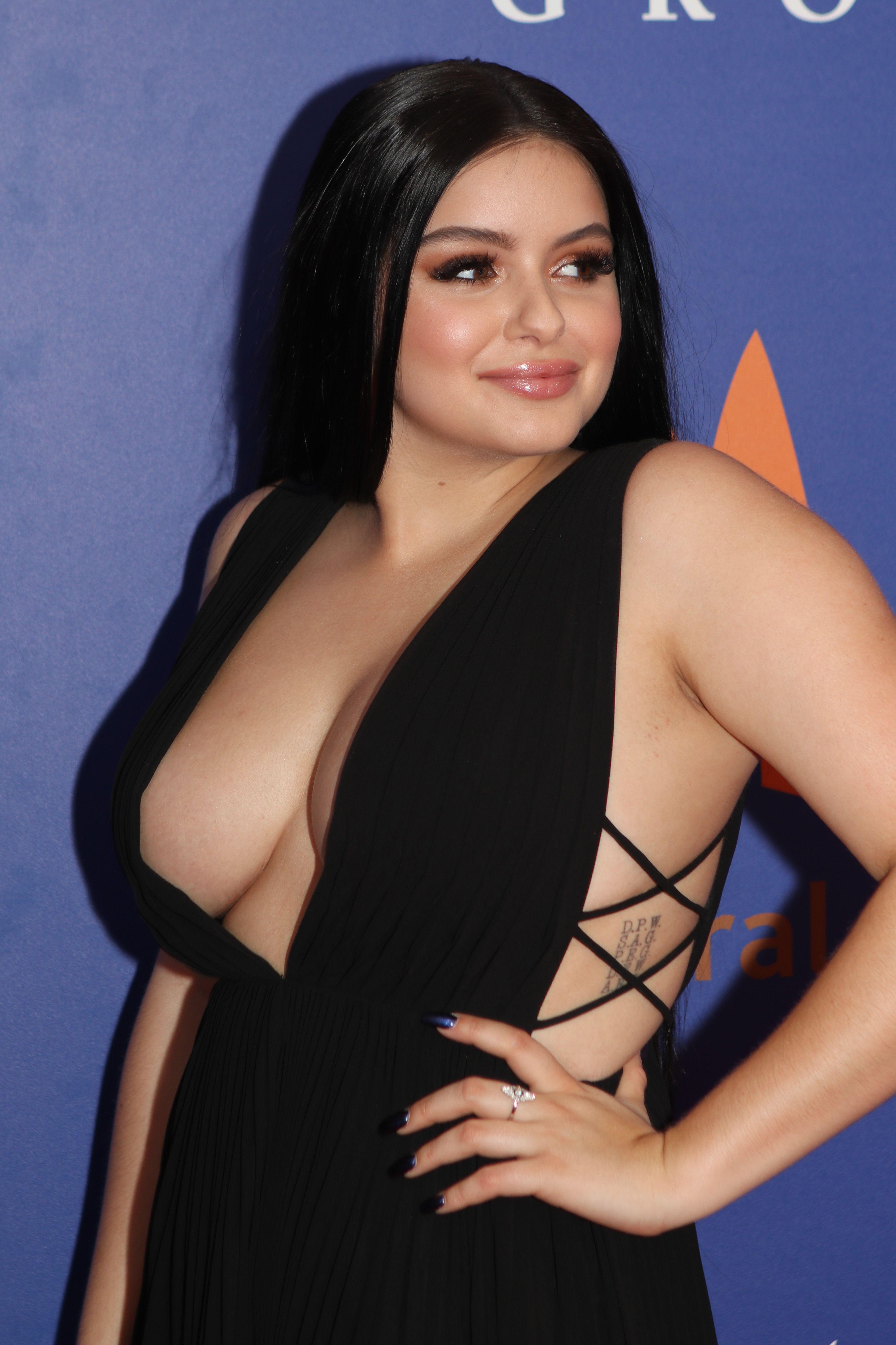 Ariel Winte Nude Photos 64