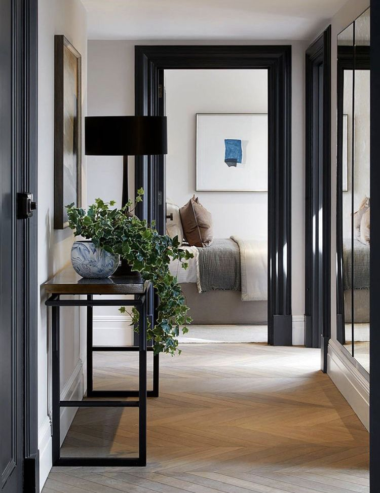 Creating a Welcoming Hallway - Jessica Elizabeth #hallway