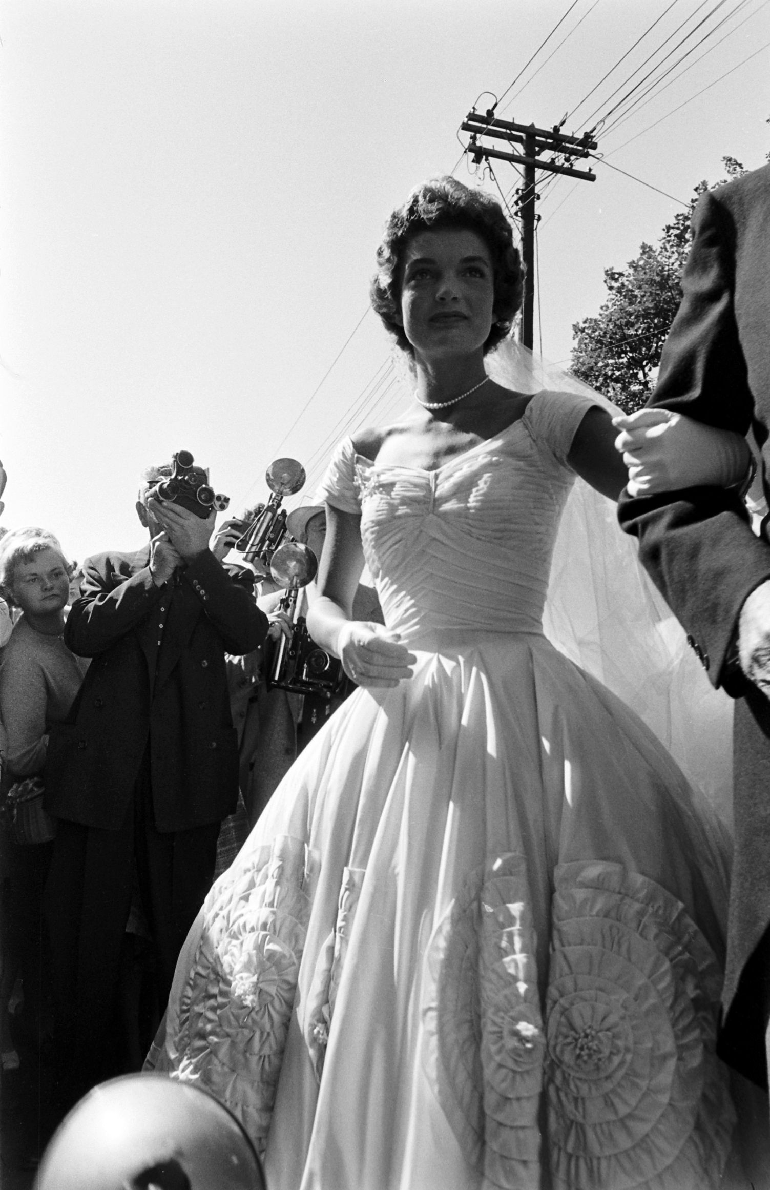Jfk and jackie had more than guests at their wedding but even