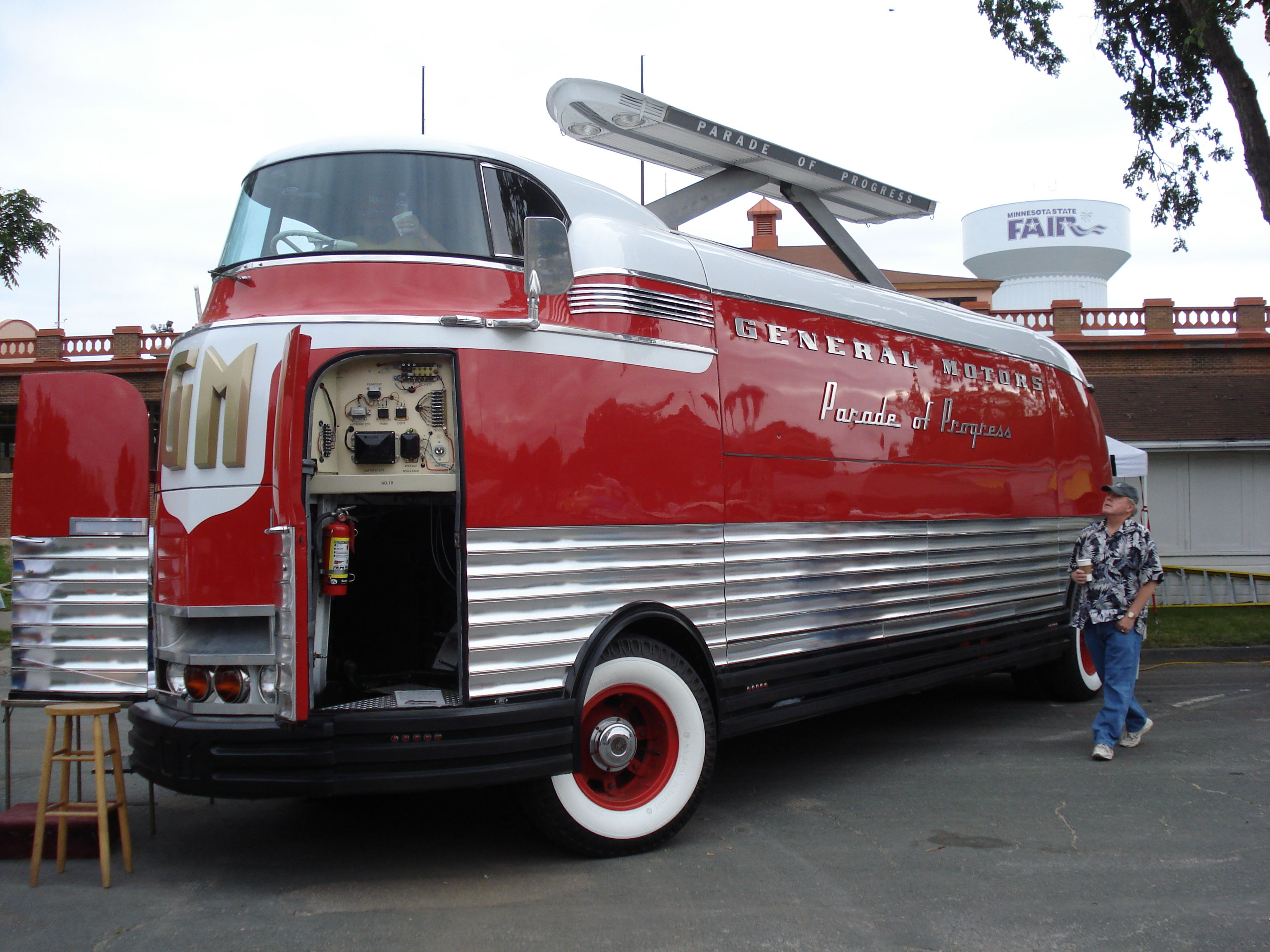 GM Futurliner, Back to the 50's, Mpls, MN | Cool, Unique Cars
