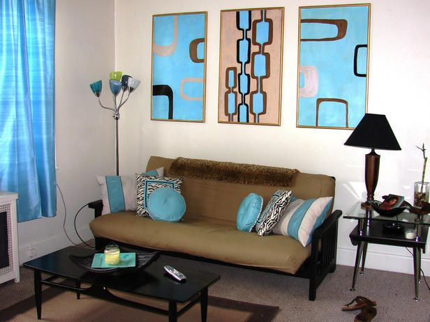 Dorm Room Design: Retro on a dime! Love the statement posters and ...