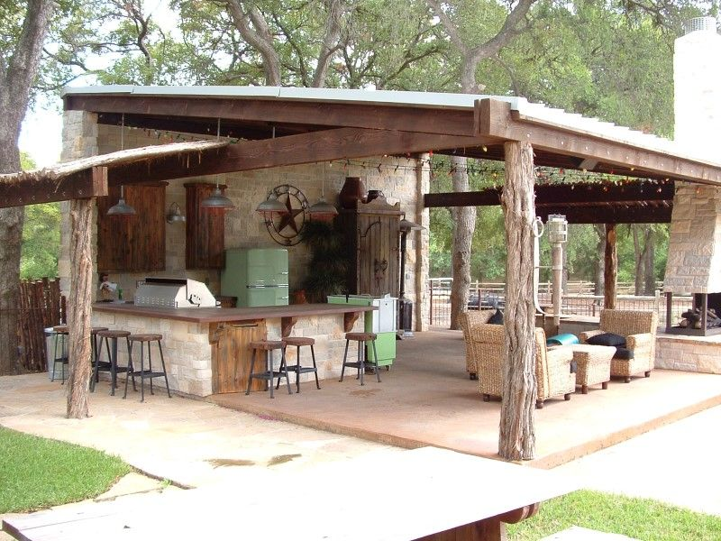 Custom Home Builder Dallas University Park Highland Park Plano Frisco Outdoor Kitchen Bars Rustic Patio Outdoor Kitchen