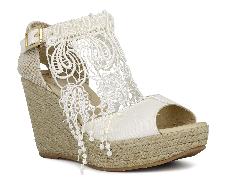 af04d82522 Carmenchu Shoes colección novias 2015. Bridal wedges #weddingshoes ...