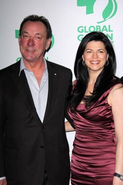 Neil Peart con cordial, Esposa Carrie Nuttall
