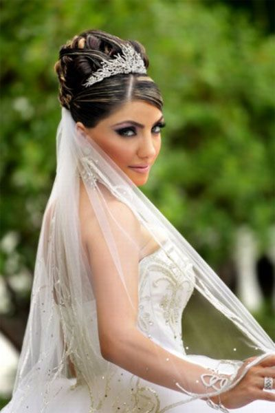 Hairstyles For The Bride With Long Hair Wearing Tiara Indian