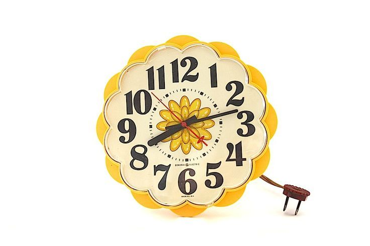 Clock, Kitchen Clock, General Electric, Vintage Clock, Vintage Kitchen, Retro Kitchen, Flower Clock, Yellow Clock   - Vintage Treasures -