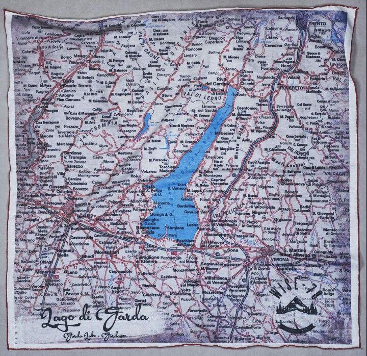 Cartina Topografica Lago Di Garda.Bandana A Mappa Stradale Del Lago Di Garda Misure 70x70 Confezione Sottovuoto Con In Incluso Un Pennarello Lavabil Mappe Stradali Lago Di Garda Pennarelli