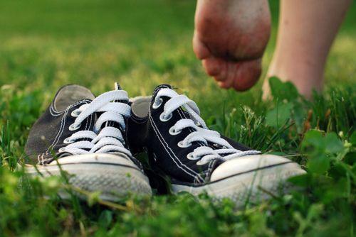 tirar um dia pra andar descalço na grama...