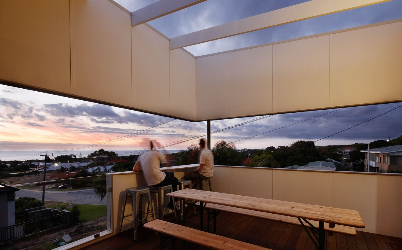 Suburban Beach House: What Happens When You Cross a Queenslander ...
