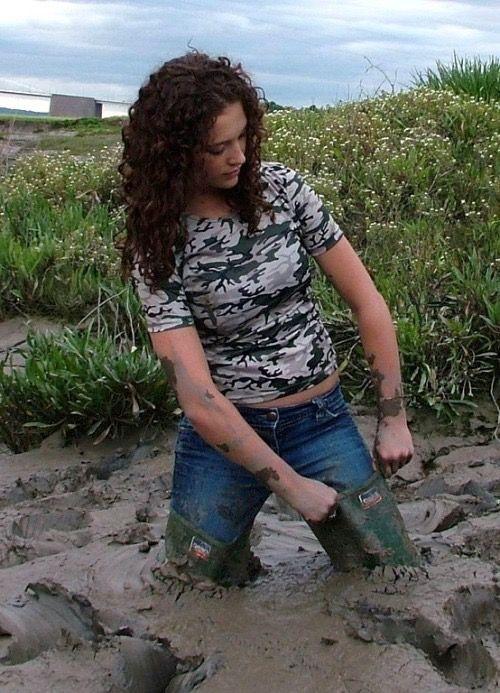 Girls boots deep sinking fetish