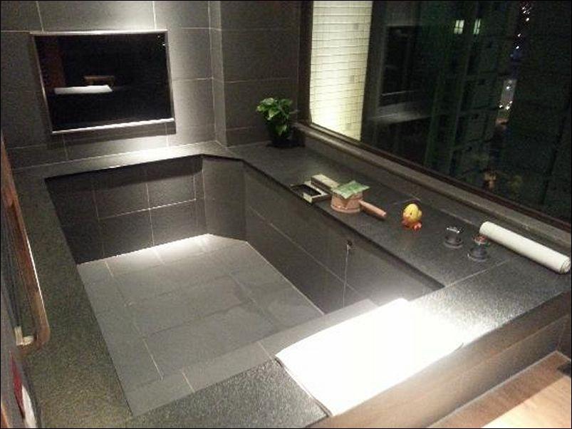 hotels with big bathtubs in las vegas   bathroom   big bathtub