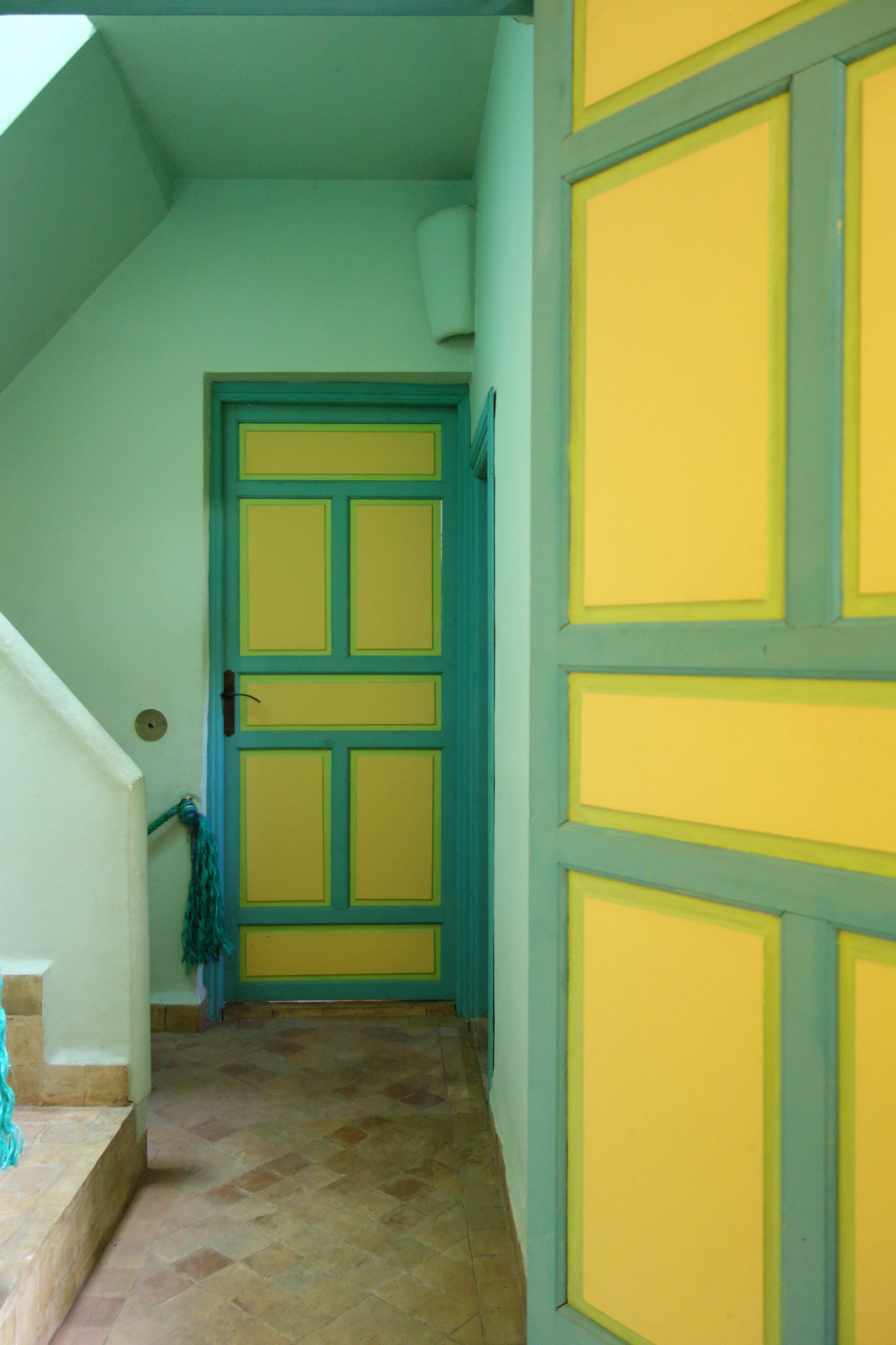 Paint colors that match this Apartment Therapy photo: SW 7735 Palm ...