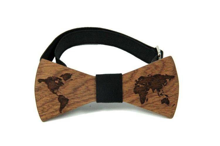 Holzfliege   Holz-Fliege - World Traveller Weltkarte #Holzfliege #Holzfliegen von Bewoodz